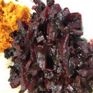 「セイロンカリー」 紫の副菜。ビーツ?